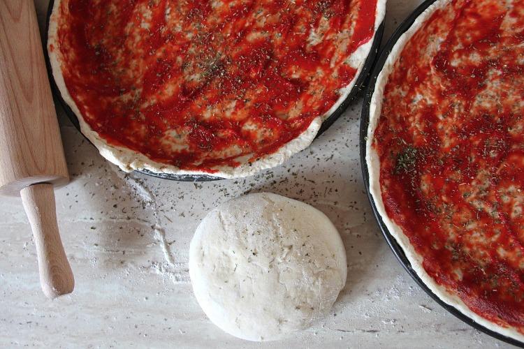 pizza con harina leudante